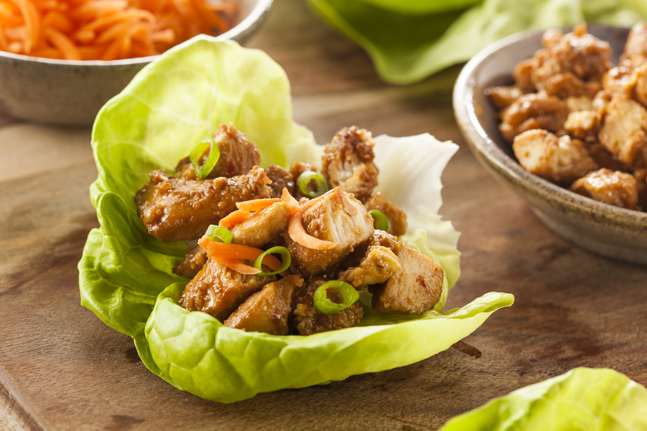 Healthy Asian Chicken Lettuce Wrap with Carrots